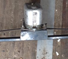 mécanisme avec moteur d'essuie glace 12volt d'occasion